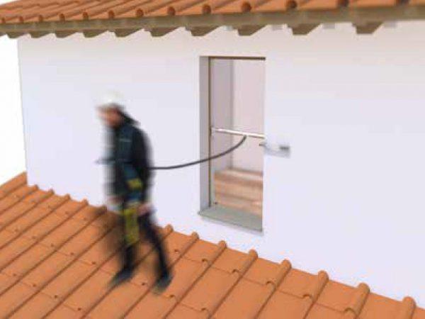 Per finestre: Si adatta agli stipiti di porte e finestre